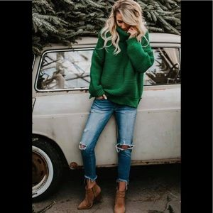 Green Extra Thick & Chunky Turtleneck Knit Sweater